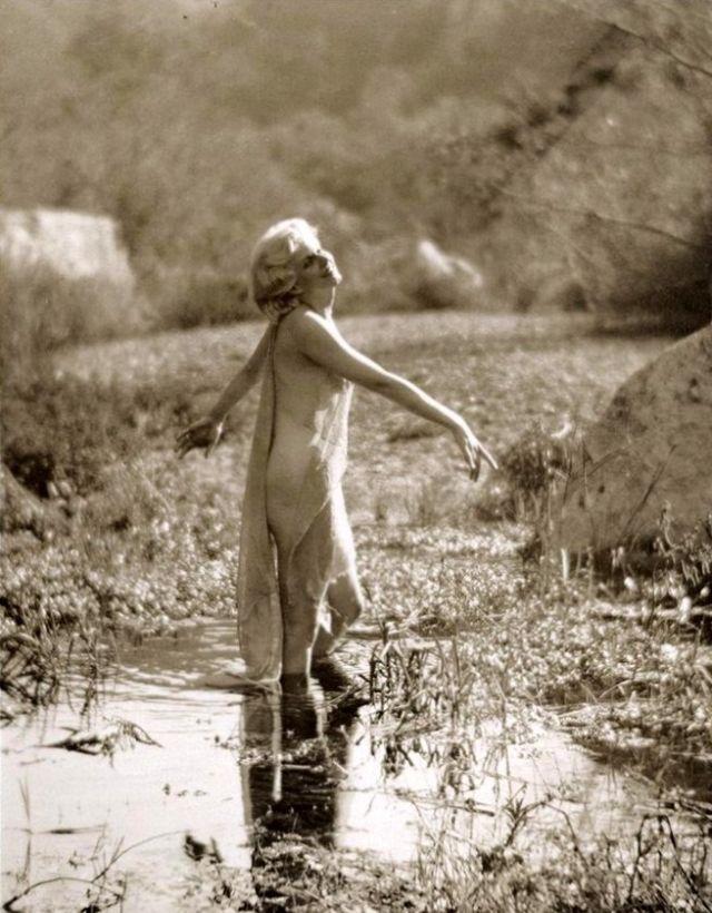 Jean Harlow Taken by Edwin Bower Hesser, 1929 (14).jpg
