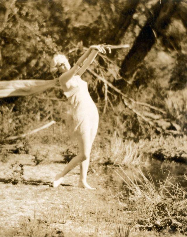 Jean Harlow Taken by Edwin Bower Hesser, 1929 (16).jpg