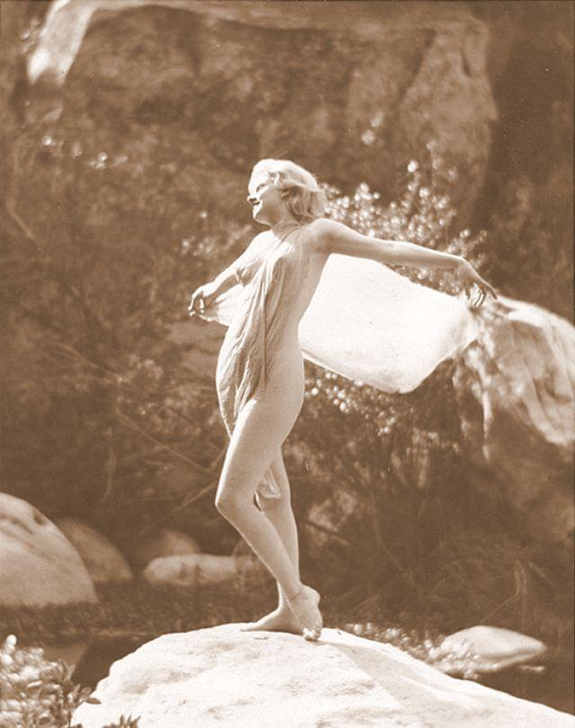 Jean Harlow Taken by Edwin Bower Hesser, 1929 (20).jpg