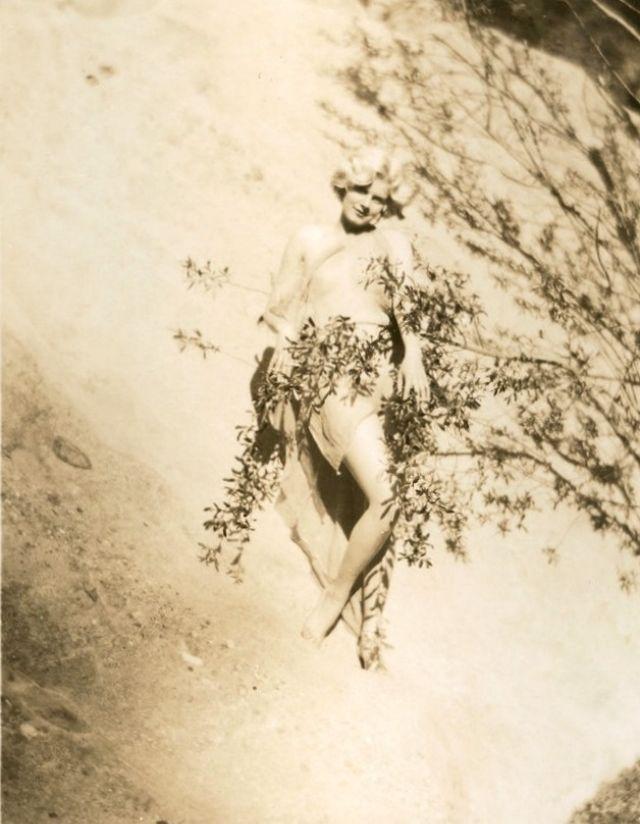 Jean Harlow Taken by Edwin Bower Hesser, 1929 (24).jpg