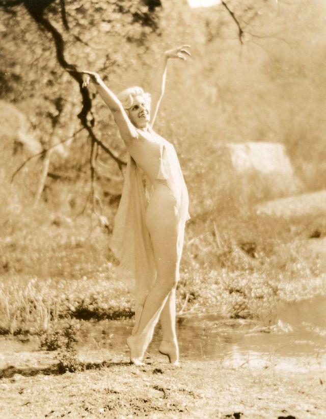 Jean Harlow Taken by Edwin Bower Hesser, 1929 (27).jpg