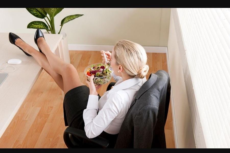 Печальные обеды офисных хомячков