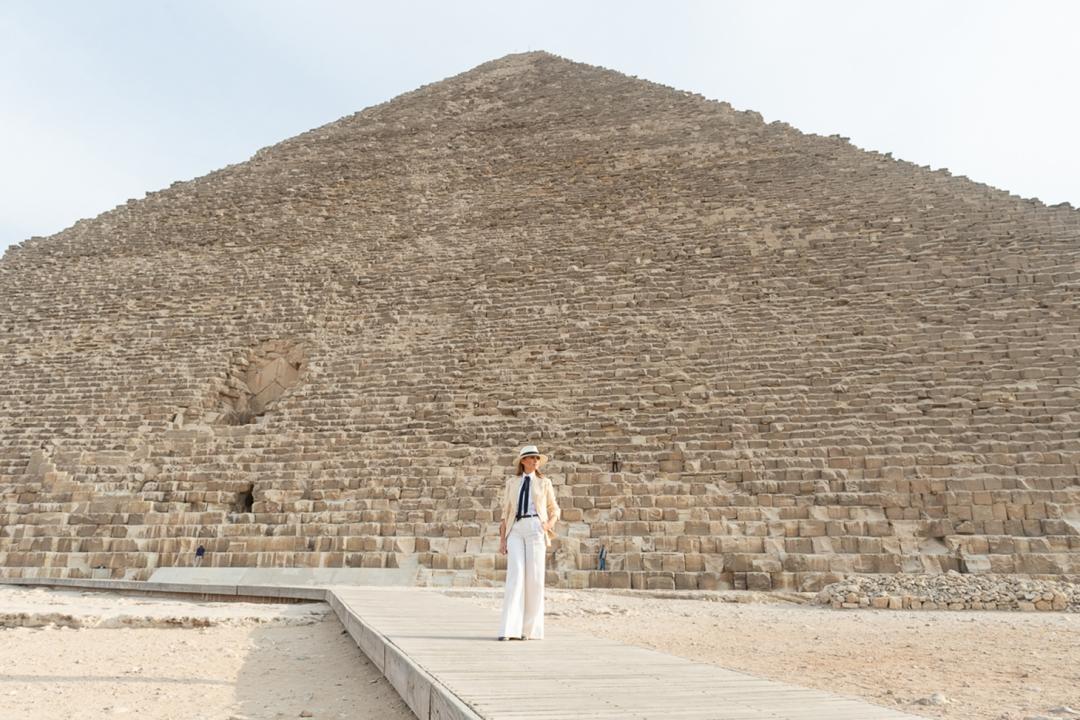 melania-pyramid-1460-1080x720.jpg