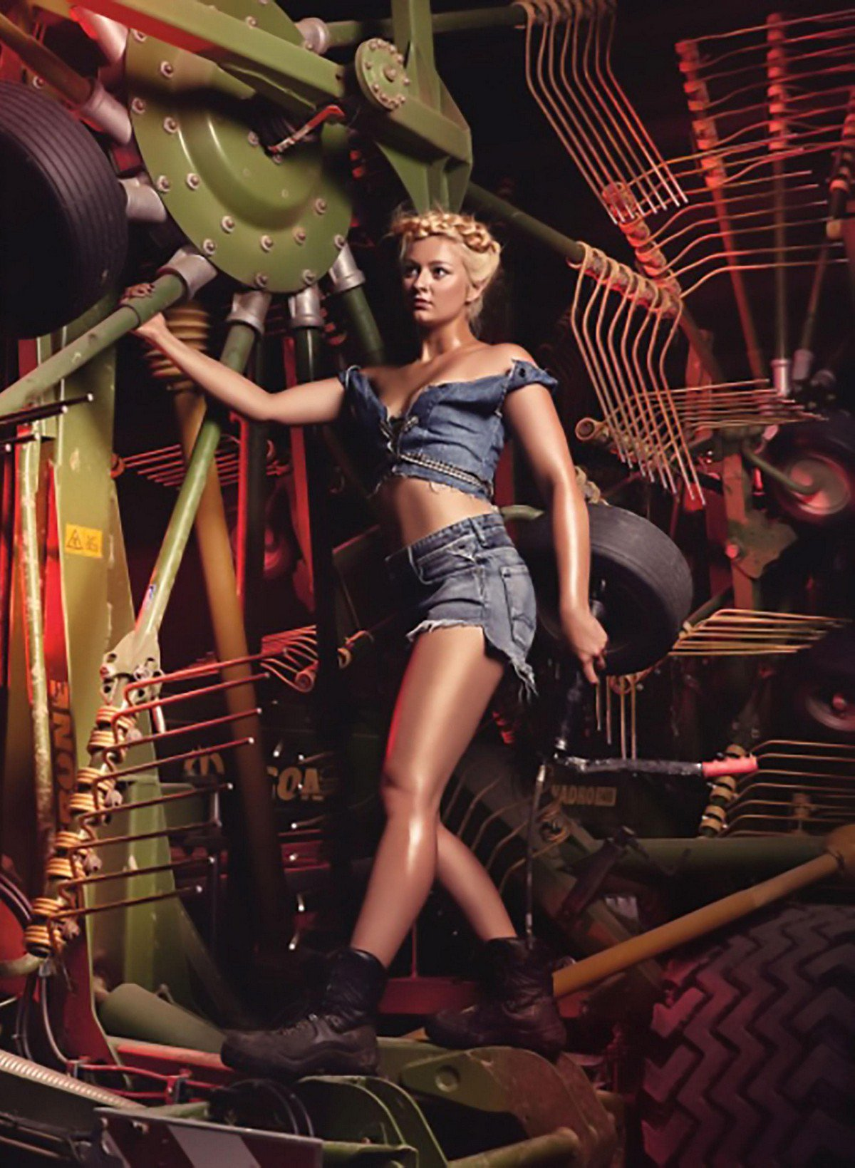 Все-таки немки красивые! Девочки-фермерши в издании «Молодой фермерский календарь» «Юнгбауэр 2019 молодых, сельского, фермеров, Баварии, герои, изобразить, попытались, новом, художественно, календаре, работу, фермерымужчины, «День, сказал, женщины, выполняют, спроектировать, важную, повседневные, суперменов