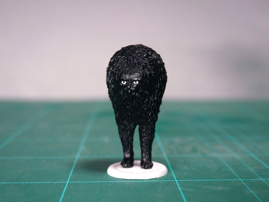 Japanese-artist-turns-animals-that-have-become-famous-on-the-internet-into-sculptures-5bd86aee7f8ab__880.jpg