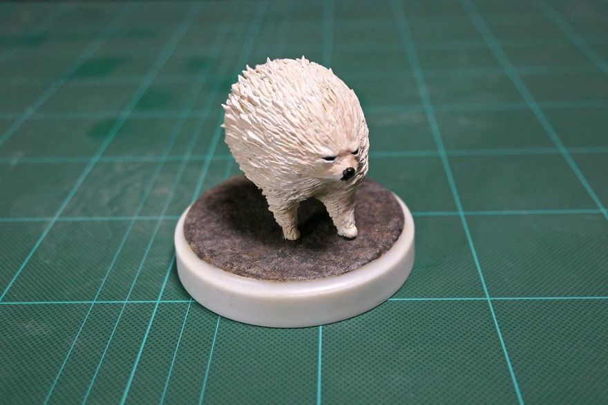 Japanese-artist-turns-animals-that-have-become-famous-on-the-internet-into-sculptures-5bd86b381deaf__880.jpg