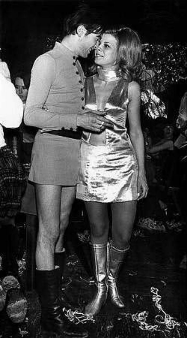 60s-mini-skirts-for-men-3.jpg