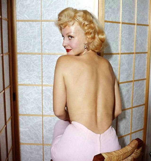 Greta Thyssen in the 1950s and 1960s (31).jpg