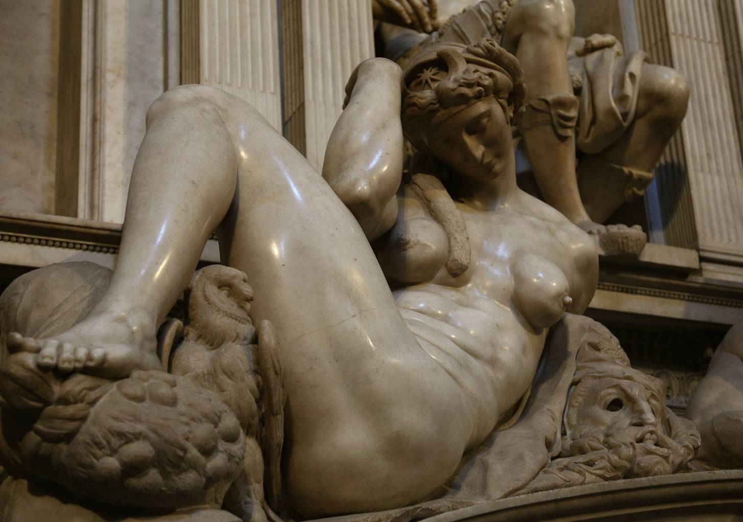 Grabmal_von_Giuliano_II._de_Medici_(Michelangelo)_Cappelle_Medicee_Florenz-5.jpg
