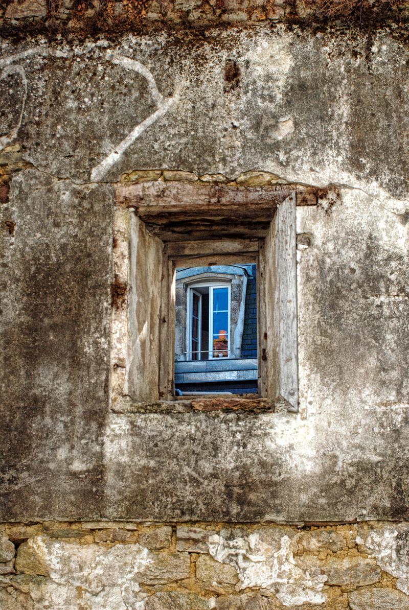 window_in_window.jpeg