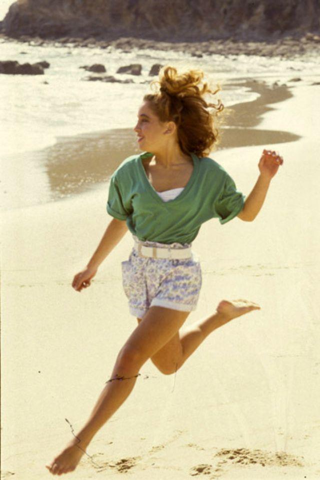 1990s Young Women's Fashion (5).jpg