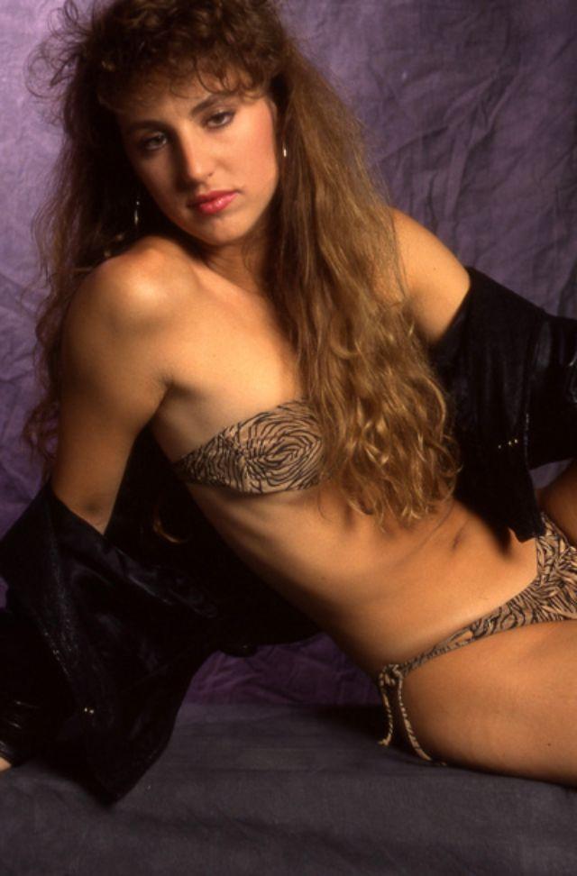 1990s Young Women's Fashion (12).jpg
