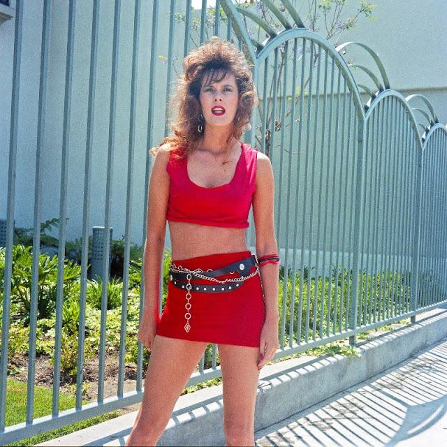 1990s Young Women's Fashion (31).jpg