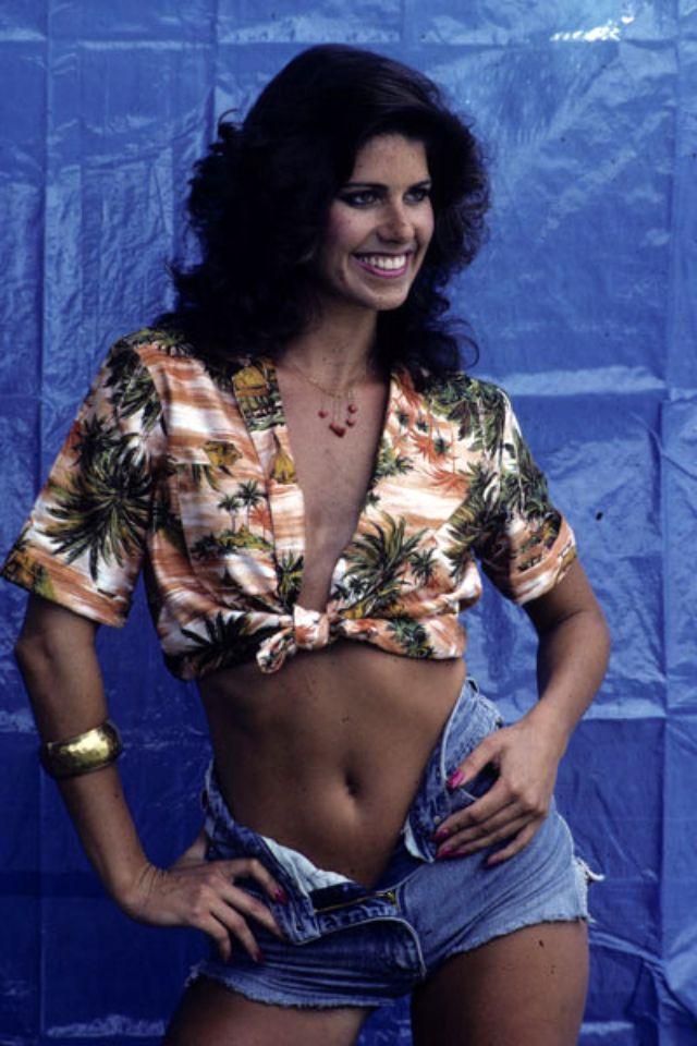 1990s Young Women's Fashion (37).jpg