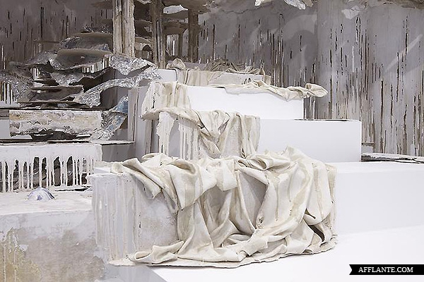 Sculptures_with_Ephemeral_Materiality_Diana_Al-Hadid_afflante_com_2