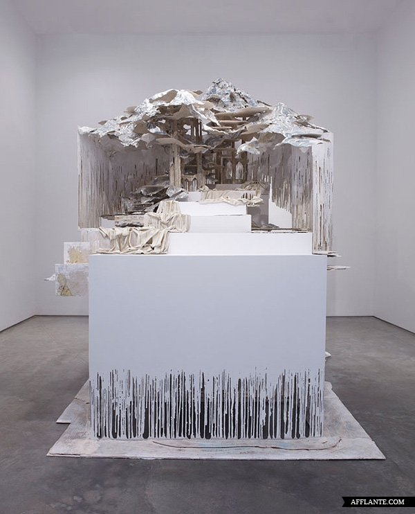 Sculptures_with_Ephemeral_Materiality_Diana_Al-Hadid_afflante_com_4