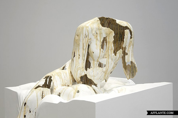 Sculptures_with_Ephemeral_Materiality_Diana_Al-Hadid_afflante_com_13