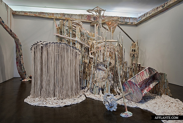 Sculptures_with_Ephemeral_Materiality_Diana_Al-Hadid_afflante_com_17