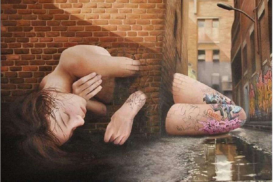 Девушки в каменном саду