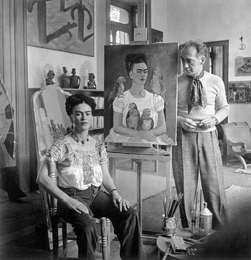 Nick-Murray-Frida-Kahlo-Vogue-model-parrots-painting-w636-h600.jpg