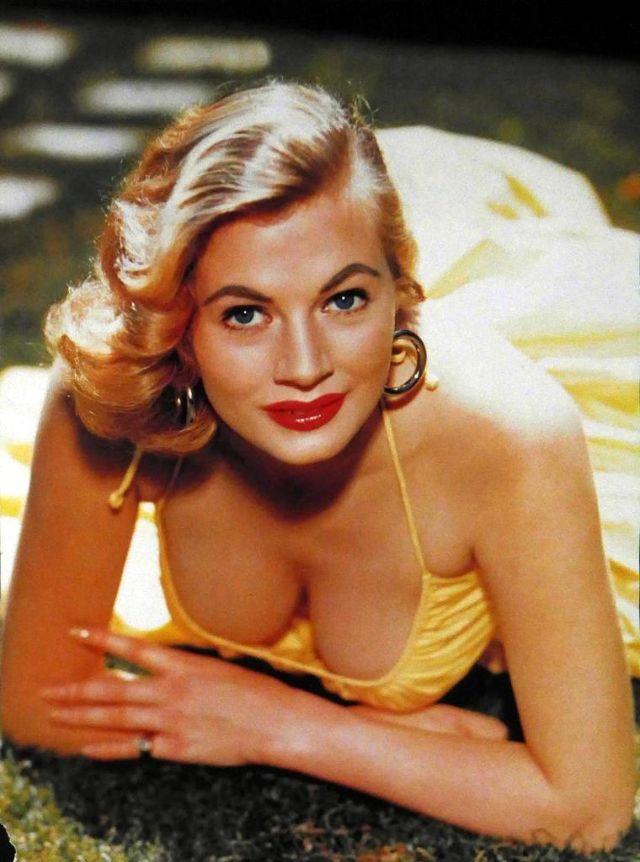 The 1950s Coolest Bikini Beauties (3).jpg