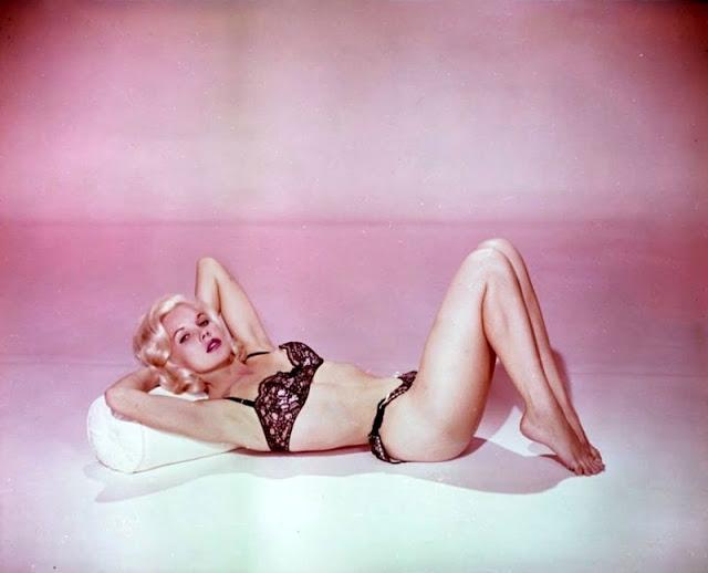 The 1950s Coolest Bikini Beauties (7).jpg