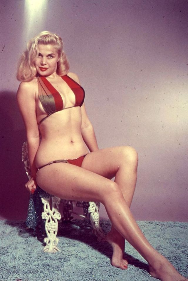 The 1950s Coolest Bikini Beauties (8).jpg
