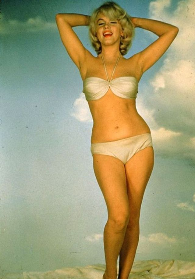 The 1950s Coolest Bikini Beauties (17).jpg