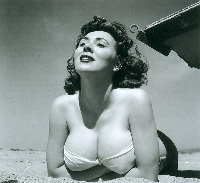 The 1950s Coolest Bikini Beauties (19).jpg