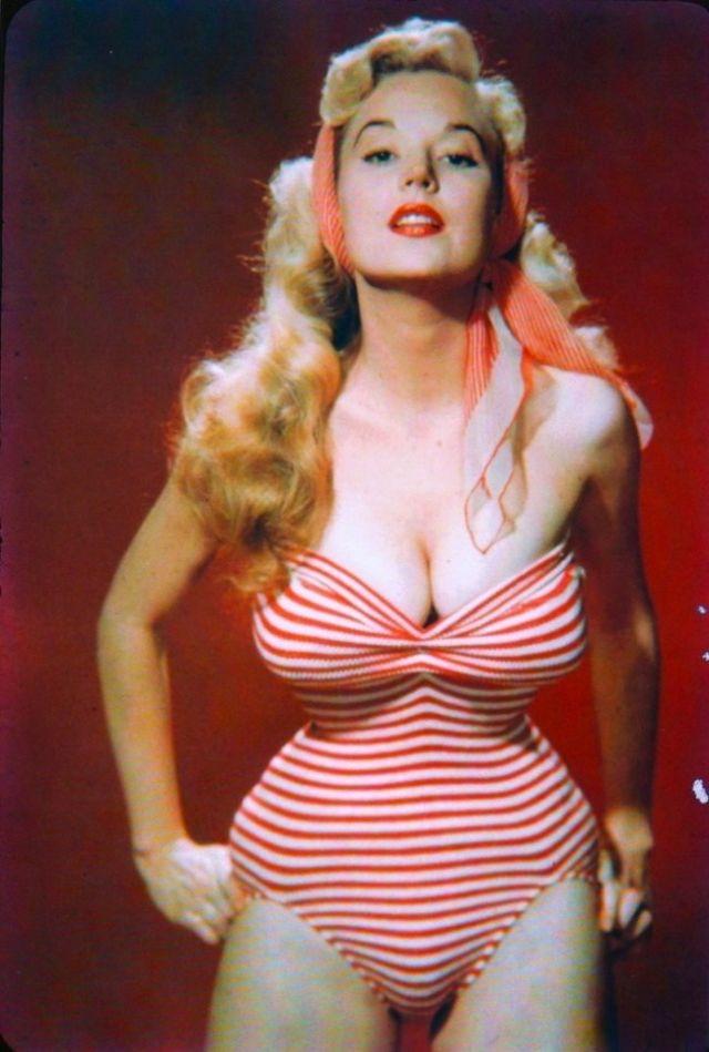 The 1950s Coolest Bikini Beauties (5).jpg