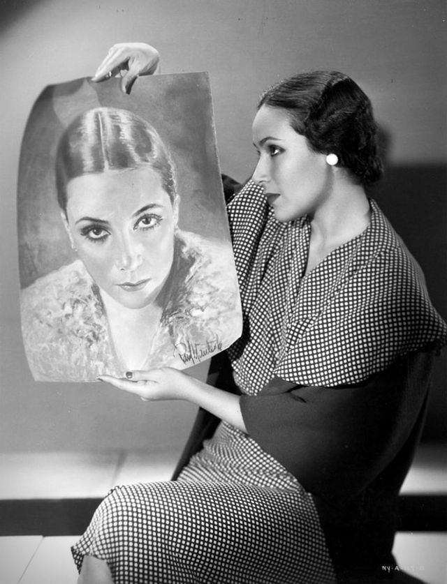 vintage-beauties-with-themselves-paintings (4).jpg