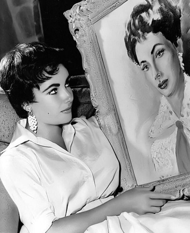 vintage-beauties-with-themselves-paintings (5).jpg