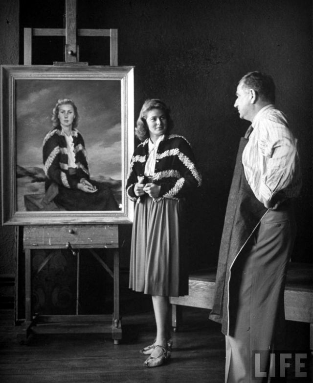 vintage-beauties-with-themselves-paintings (7).jpg