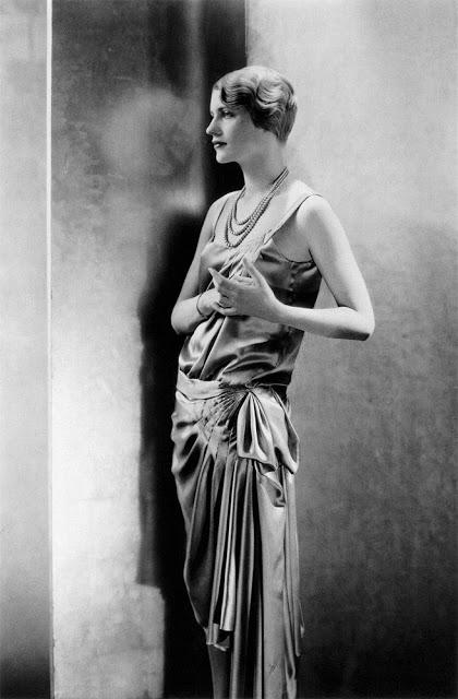 lee-miller-photographed-by-edward-steichen-1928.jpg