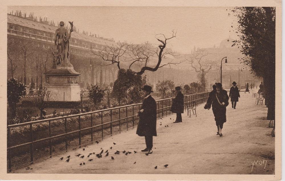 Paris_-_Jardin_du_Palais_Royal_CP_Yvon-768x488.jpg