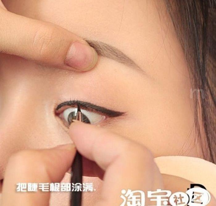 an_amazing_makeup_makeover_07