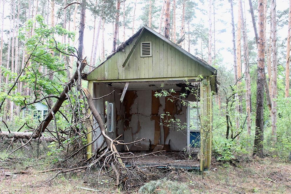 Когда уходят люди: заброшенный советский детский лагерь в Чернобыле 3-18.jpg