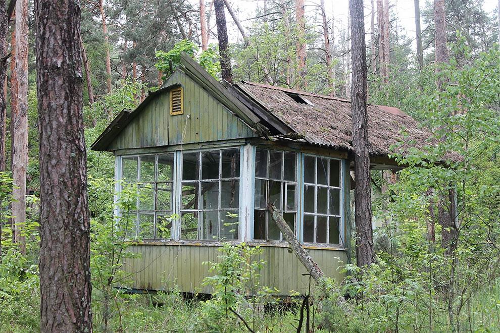 Когда уходят люди: заброшенный советский детский лагерь в Чернобыле 7-12.jpg