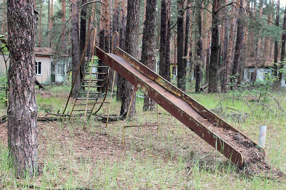 Когда уходят люди: заброшенный советский детский лагерь в Чернобыле 11-9.jpg