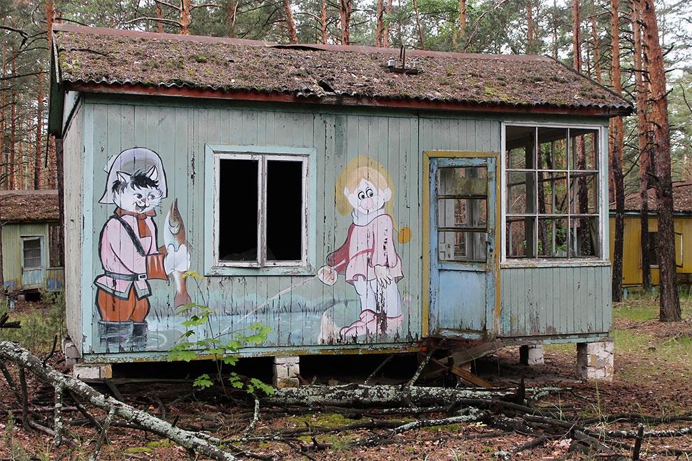 Когда уходят люди: заброшенный советский детский лагерь в Чернобыле 14-7.jpg