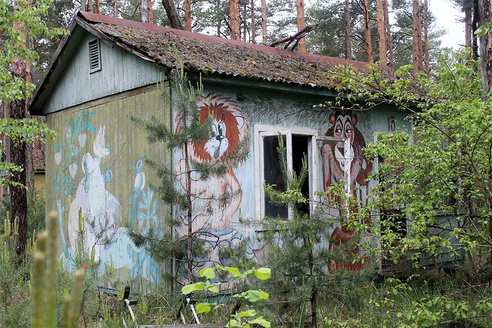 Когда уходят люди: заброшенный советский детский лагерь в Чернобыле 20-4.jpg