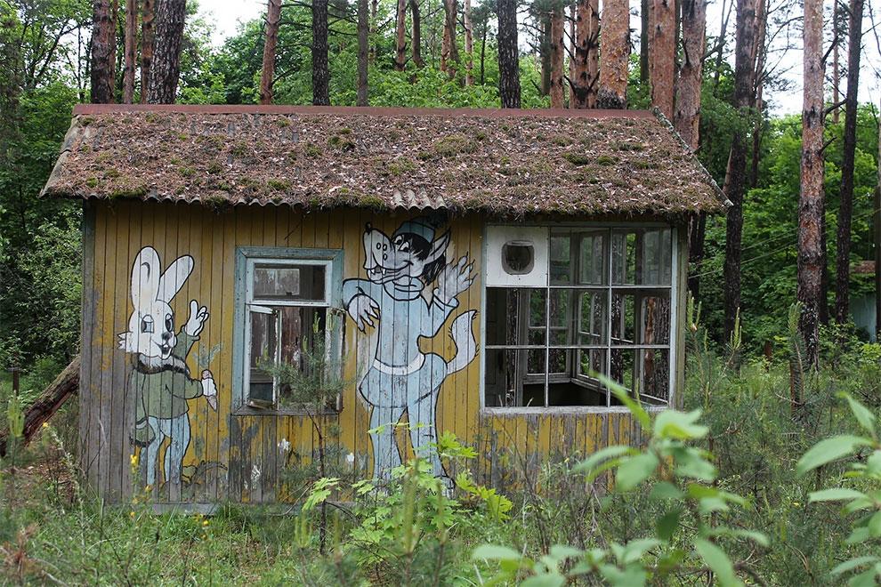 Когда уходят люди: заброшенный советский детский лагерь в Чернобыле 24-3.jpg