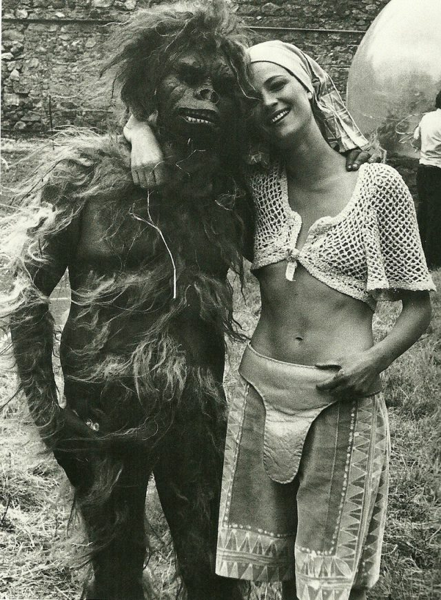 Шон Коннери в Зардосе (1976).jpg