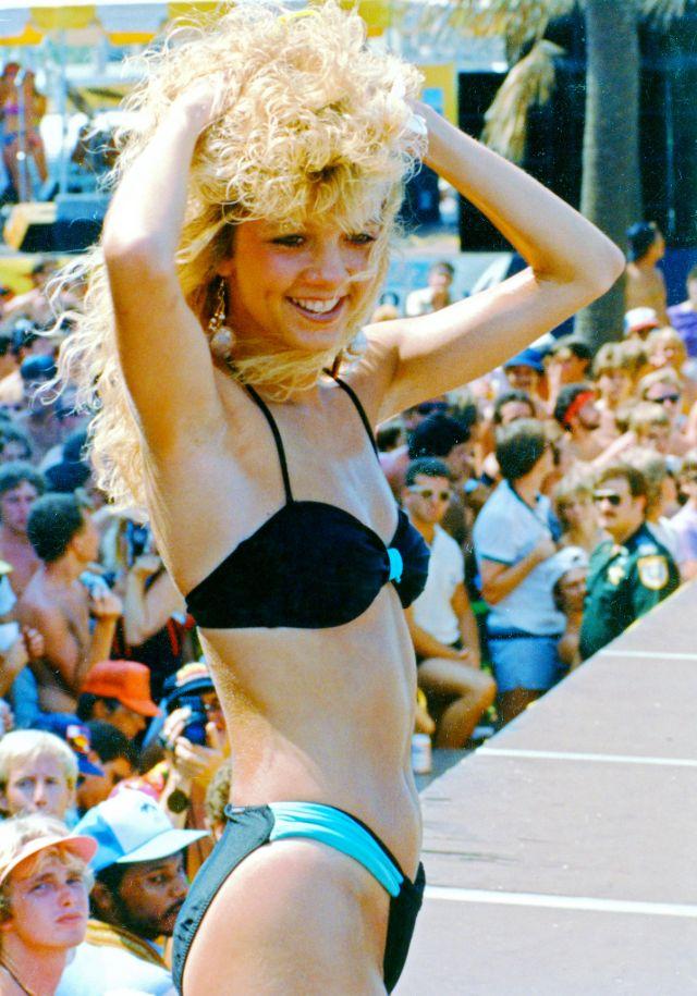 1980s-women-swimwears (12).jpg