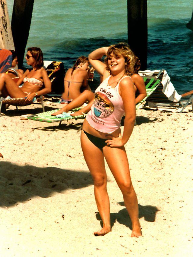 1980s-women-swimwears (21).jpg