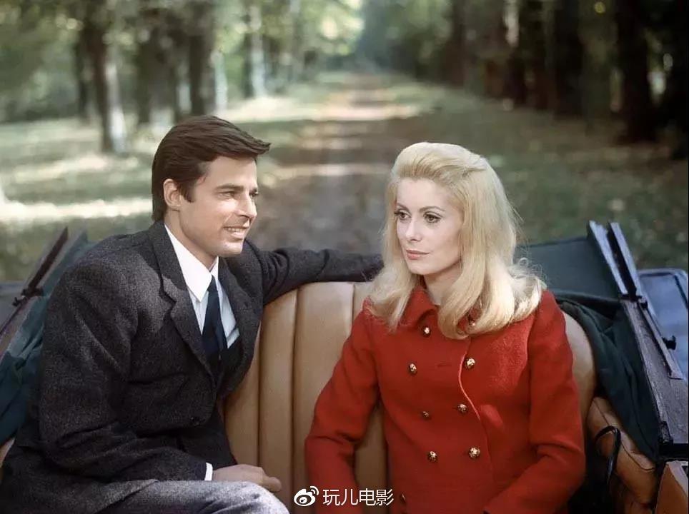 Катрин Денев в фильме   Belle de Jour (1967) была «прототипом» для женщин мадам..jpg