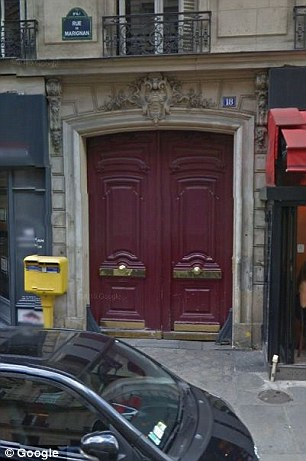 2F94DEDC00000578-3371581-Home_sweet_home_Madame_Claude_s_former_residence_at_18_Rue_de_Ma-a-16_1450867274078.jpg