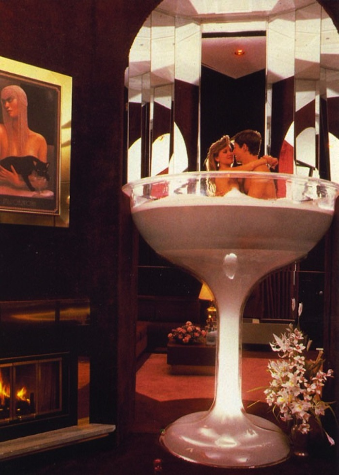champgne-tub-designer-500x699.jpg