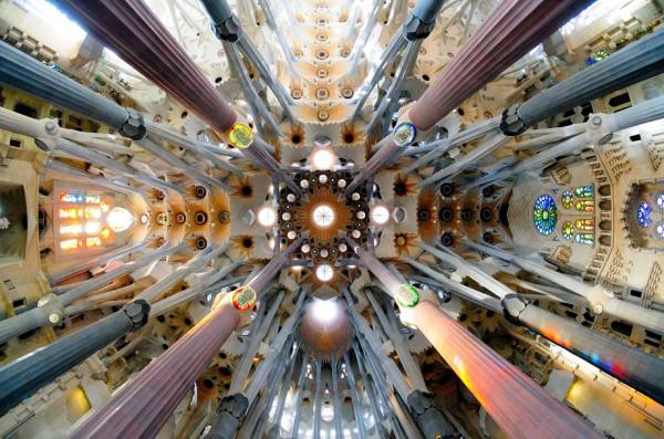 Искусство смотреть вверх: самые захватывающие потолки в мире