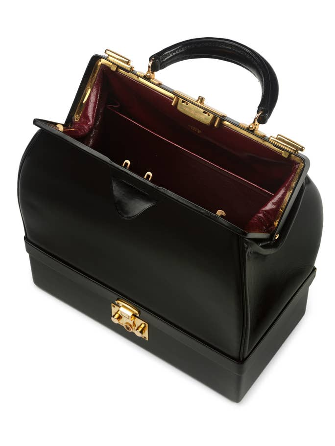 Hermes-'Sac-Mallette'-handbag-1968-Paris-(c)-Victoria-and-Albert-Museum-London-Copy.jpg